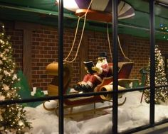 Check out VMSD's 2014 Holiday Windows Recap! Pictured: Woodstock Market, Acworth, Ga. Photography: Karen Bennett, Acworth, Ga.  (more: http://vmsd.com/content/holiday-windows-2014-6)