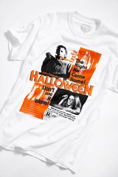 Tired of wearing the same old t-shirts that everyone wears? Why not buy classic movie t-shirts to stand out from the crowd, and be a conversation starter. Film Pulp Fiction, Best Classic Movies, Clothes Encounters, Unique Halloween Costumes, Movie Shirts, Old T Shirts, T Shirts With Sayings, Cotton Tee, Urban Outfitters