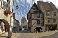 Noyers sur Serein - Bourgogne #yonne #medieval #burgundy - 1h10 from #Paris -