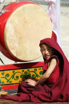 Lors d'une célébration tibétaine Architecture du monastère - Le Yunnan, Shangri-La (anciennement appelée Zhongdian), marquée par l'atmosphère Tibétaine à 3200m d'altitude