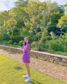 Blue Hair, Pink Hair, Yuri, Sakura Miyawaki, Japanese Girl Group, Indie Kids, The Wiz, Girl Photos, Foto E Video