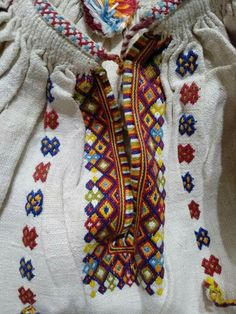 Tunic Blouse, Diy And Crafts, Cross Stitch, Costumes, Embroidery, Shirts, Symbols, Outfits, Interior Design