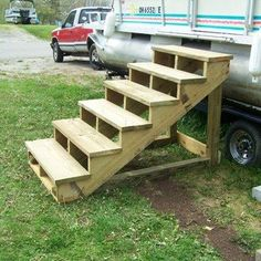 Self Standing Staircase: 7 Steps (with Pictures) Pac Piscine, Piscine Diy, Deck Steps, Porch Steps, Wooden Steps Outdoor, Trampoline Steps, Mobile Home Steps, Above Ground Pool Steps, Camper Steps
