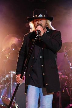 Donnie Van Zant - lead singer of southern rock band turned arena rockers, Special. Later formed the duet, Van Zant, with brother Johnny. 38 Special Band, Ronnie Van Zant, Hank Williams Jr, Lynyrd Skynyrd, Movies Showing, Rock Music, Music Artists, Rock Bands, Rock N Roll