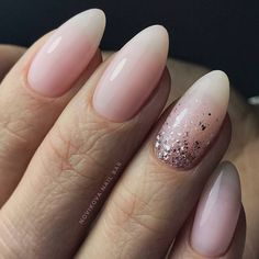 Baby boom nails, light pink nail polish, decoration with glit .- Baby boom nails, light pink nail polish, decoration with silver glitter - Cute Nails, Pretty Nails, My Nails, Almond Shape Nails, Almond Nails, Bride Nails, Wedding Nails, Ongles Roses Clairs, Manicure Natural