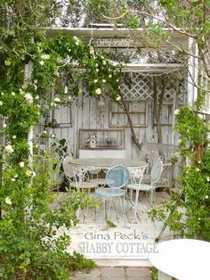 Expand Good Tomatoes Working With Container Gardening Techniques 9 Miraculous Diy Ideas: Shabby Chic Crafts Display Shabby Chic Bedding Black. Shabby Chic Veranda, Baños Shabby Chic, Cocina Shabby Chic, Muebles Shabby Chic, Shabby Chic Crafts, Shabby Chic Bedrooms, Shabby Chic Kitchen, Shabby Chic Patio, Kitchen Rustic