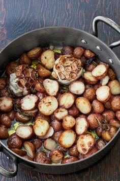 Farmhouse Crispy Creamy Potatoes Recipe - Country Living - Oh good grief these look sooooooo delicious! Creamy Potato Recipe, Easy Potato Recipes, Side Dish Recipes, Side Dishes, Dinner Recipes, Grilling Recipes, Cooking Recipes, Healthy Recipes, Grill Meals