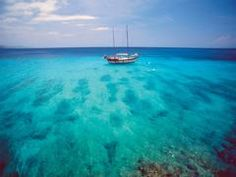 I just love the blue waters of the Carribean