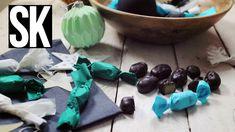 Idén csinálj házi szaloncukrot! Pofonegyszerű és isteni finom! Christmas Candy, Christmas Desserts, Christmas Cookies, Xmas, Cookie Recipes, Dessert Recipes, Jar Gifts, Kitchen Hacks, Winter Time