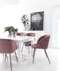 270 Best Black and White Interior Design images Dining Room Inspiration, Dining Room Lighting, Dining Room Design, Interior Design Living Room, Dining Chairs, Room Chairs, Dining Rooms, Room Decor, House Design