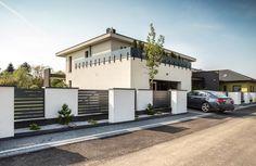 House Fence Design, Door Gate Design, Fence Landscaping, Backyard Fences, Modern Fence, Front Gates, Exterior Design, Architecture, House Styles