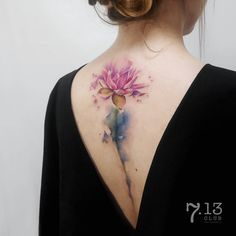 🌸💧 #713club - #tattoo #tattooing #colorstattoo #colortattoo #flowertattoo #tattoocolor #acuarelatattoo #watercolortattoo #tattooartists… Large Tattoos, Sweet Tattoos, Top Tattoos, Back Tattoos, Body Art Tattoos, Future Tattoos, Tatoos, Flower Spine Tattoos, Spinal Tattoo