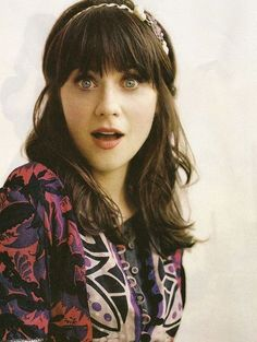 Zoey Deschanel. Another top celeb who annoys me. I hate her style, her quirkiness, her bangs, and especially her singing voice. Her singing in her cotton commercial grates on my nerves so bad.