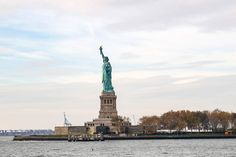 New York  -  Manhattan & Statue of Liberty / Ein Reise in die Historischen Ereignisse der Stadt New York. Schöne Perspektive Aufnahmen.