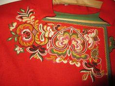 Øst / Aust Telemark bunad med skjorte og sølv | FINN.no Vera Bradley Backpack, Fashion Outfits, Bags, Ornament, Style, Clothes, Handbags, Swag, Outfits