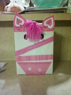 Valentine's Day Box (could make a leopard? Cute Valentine Ideas, Valentine Day Boxes, Valentines Day Decorations, Valentines Day Party, Valentine Day Crafts, Be My Valentine, Friend Crafts, Valentine's Day Diy, Crafts For Kids