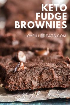 My flourless brownies are perfect for when you are craving something sweet! Rich, chocolatey, and delicious down to the last crumbs. This easy chocolate brownies recipe is a must make to have in your back pocket. This easy recipe for brownies without flour is low carb, keto, gluten-free, grain-free, sugar-free, and Trim Healthy Mama friendly. Keto Fudge, Fudge Brownies, Homemade Brownies, Chocolate Brownies, Gluten Free Grains, Gluten Free Bars, Low Carb Lunch, Low Carb Breakfast, Low Carb Keto