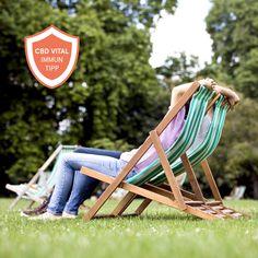 Vitamin D - auch Sonnenvitamin genannt - hat vielfältige Funktionen im Körper. Eine optimale Vitamin D-Versorgung trägt beispielsweise zu einer normalen Funktion des Immunsystems bei.  Mehr zu diesem Thema gibts auf unserer Facebookseite. Outdoor Chairs, Outdoor Furniture, Outdoor Decor, Vitamin D, Immune System, Health, Tips, Garden Chairs, Backyard Furniture