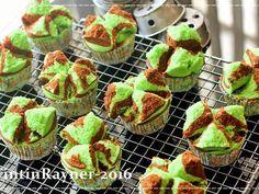 Resep Bolu Kukus Pandan Cokelat Mekar Semua - Asian Steamed Cake oleh Tintin Rayner - Cookpad
