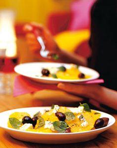 Orangensalat mit Minze und Oliven