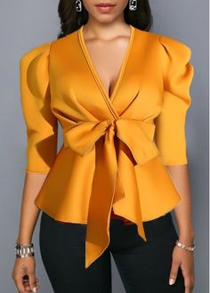 Stylish Tops For Girls, Trendy Tops, Trendy Fashion Tops, Trendy Tops For Women Classy Dress, Classy Outfits, Chic Outfits, Fashion Outfits, Emo Outfits, Trendy Tops For Women, Blouses For Women, Latest African Fashion Dresses, Elegantes Outfit