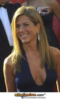 Jennifer Aniston - The Emmys, September 2003