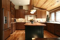 Craftsman kitchen design u2013 what is typical for the Craftsman style & Pin by Chris Haw on kitchen | Pinterest | Craftsman style Craftsman ...