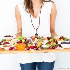 Clavel's Cook: Parabéns Clavel's Kitchen! {Tábua de queijos e enchidos - requeijão com paprika e ervas; puré de ervilhas e húmmus}