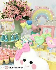 Festa linda com tema Chuva de Amor ❤🔝 First Birthday Parties, Birthday Party Decorations, Baby Shower Decorations, First Birthdays, Unicorn Birthday, Unicorn Party, Girl Birthday, Cloud Party, Holidays And Events