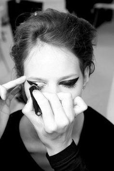 cat eye make-up