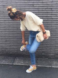 シンプル。 UNIQLO   ワッフルクルーネックTは2色買い。 Instagram…yuko377