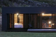 Storm Cottage / Fearon Hay Architects | ArchDaily