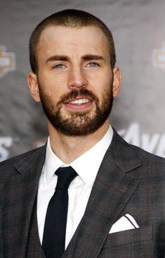 Chris Evans (Captain America)... ow ow!
