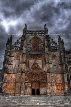 Mosteiro Santa Maria da Vitória, more commonly known as the Batalha Monastery, is a Dominican convent in Batalha, in the District of Leiria, Portugal. It is one of the best and original examples of Late Gothic architecture in Portugal, intermingled w We have the latest e-cigarette models and a great variety of e-liquid flavors. Visit us at www.e-cigarilicious.com