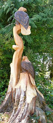 Double eagle tree trunk carving