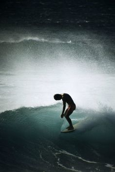 Midget Farrelly, Makaha, 1968 Photo: LeRoy Grannis