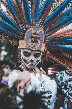 Totems, Art Of Dan, Goofy Disney, Aztec Culture, Sketch Tattoo Design, Aztec Warrior, Kids Around The World, Aztec Art, Sugar Skull Art