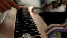 ソニーコンピュータサイエンス研究所(Sony CSL)が、人工知能(AI)を使って2つのポップソングを作曲し、作成した楽曲をYouTube上で公開しています。AI makes pop mus