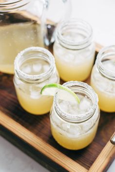 Pitcher Margaritas for a Crowd - all you need is simple syrup, lime juice, and tequila. These make THE BEST party drinks! Party Drinks, Cocktail Drinks, Fun Drinks, Cocktail Recipes, Drink Recipes, Margarita Cocktail, Craft Cocktails, Coffee Recipes, Mixed Drinks