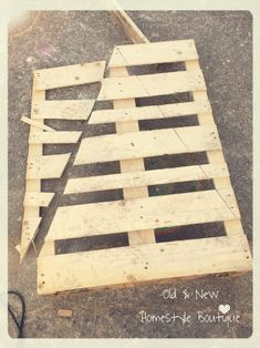 Pallet wood Christmas tree - work in progress ❤️