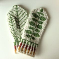 Knitting Patterns Mittens Ravelry: Ingridheim City& Bersåvott to Marit Mittens Pattern, Knit Mittens, Knitted Gloves, Knitting Socks, Knitting Projects, Knitting Patterns, Knit Or Crochet, Crochet Hats, How To Purl Knit