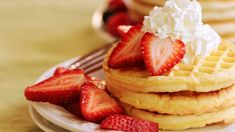 Check out this recipe! Gluten Free Flour Mix, Gluten Free Waffles, Free Breakfast, Breakfast Recipes, Breakfast Items, Strawberry Waffles, Homemade Waffles, Paleo, Belgian Waffles
