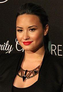 DemiLovato2013.jpg  Love Demi Lovato!! ;)