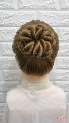 Hair Tutorials For Medium Hair, Easy Hairstyles For Medium Hair, Thin Hair Haircuts, Elegant Hairstyles, Braided Hairstyles, Hair Up Styles, Medium Hair Styles, Hair Style Vedio, Molton Brown