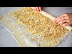 Kısacık zamanda hazırlanan çıtır çıtır bir baklava tarifi sizlerle. O kadar kolay yapılıyor ki herkes usta tatlıcı gibi bayram tatlısı yapabilecek. Hiç Banana Bread, Vegetables, Ethnic Recipes, Desserts, Food, Youtube, Tailgate Desserts, Deserts, Essen