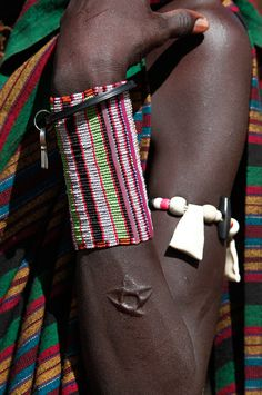 South Sudanese boy with simplistic, yet effecting, scarification. African Life, African Culture, African Art, African Tribes, African Dress, African Jewelry, Tribal Jewelry, African Necklace, Western Jewelry