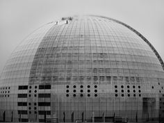 EYE CATCHER: Kärcher unterstützt Reinigung des Globen in Stockholm. Fotograph: Johan Marklund