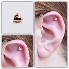 Tragus piercing maybe Ear Jewelry, Cute Jewelry, Body Jewelry, Jewellery, Cartilage Earrings, Tragus, Helix Earrings, Piercing Tattoo, Body Piercing