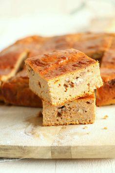 Speculaas pompoencake > pompoenblokjes, amandelmeel, speltmeel, eieren, bakpoeder, koekkruiden, ahornsiroop, pecannoten, zout
