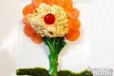 Receita de Flor de espaguete com salmão em receitas de massas, veja essa e outras receitas aqui!